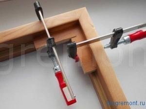 струбцины для сборки дверной коробки