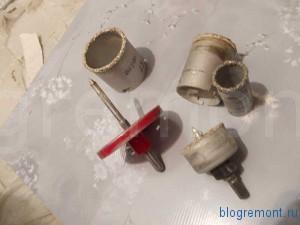 как вырезать круглое отверстие в плитке