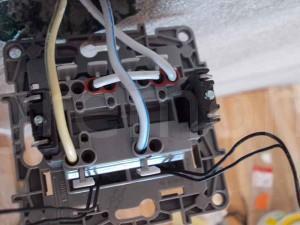 схема подключения выключателя легранд