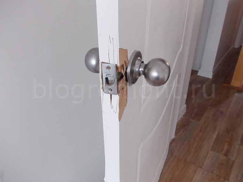 slomannaya-dver