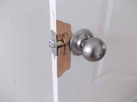 замена ручки двери