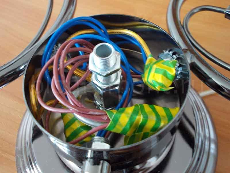 как соединить провода люстры
