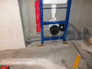 уровень канализационных труб
